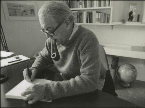 null, Max Frisch an seinem Schreibtisch in Berzona (1976)