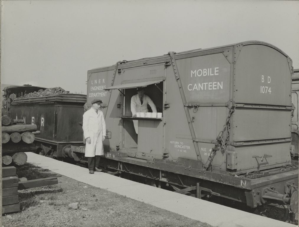London& North Eastern Railway (LNER), mobile canteen for engineer's staff, Newcastle