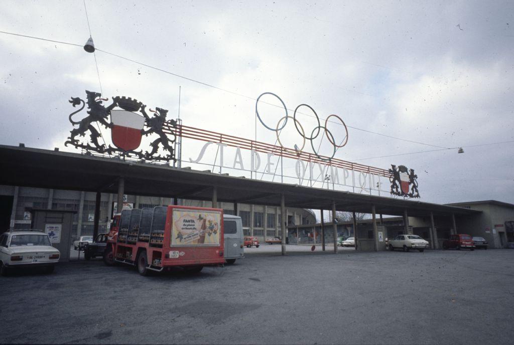 Eth z rich eth bibliothek e pics index ethbib bildarchiv for Lausanner fussballstadion